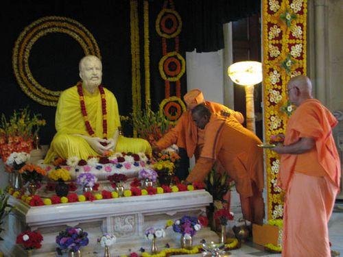 Master Belur Math birthday worship 2009