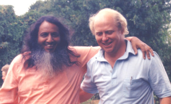 Swamiji_and_tim_hoare_1984_2