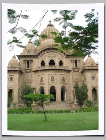 Sri_ramakrishna_temple_rightside_vi